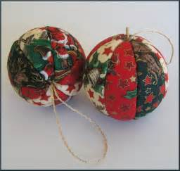 how to make holiday ornaments button wreaths vintage polystyrene balls more craftster blog