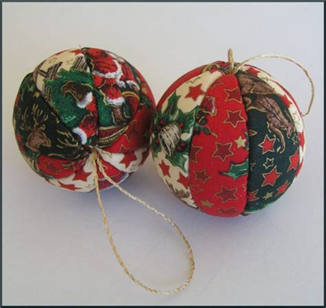 how to make holiday ornaments button wreaths vintage