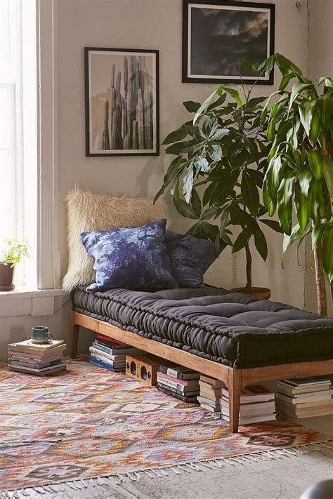 daybed settee 17 best ideas about daybed on spare