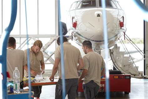 amac aviation intensive sommermonate f 252 r amac aerospace cockpit