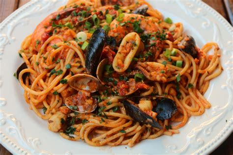 pate au fruit de mer spaghetti aux fruits de mer tallarines con mariscos recettes de laylita