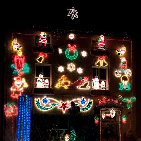 safe christmas lights 10 tips for safer lights housekeeping housekeeping institute