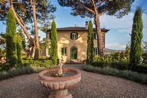 Rental    Nestled On A Hill Just 3 Minutes Outside The Ancient Town Walls Of Cortona Lies Villa