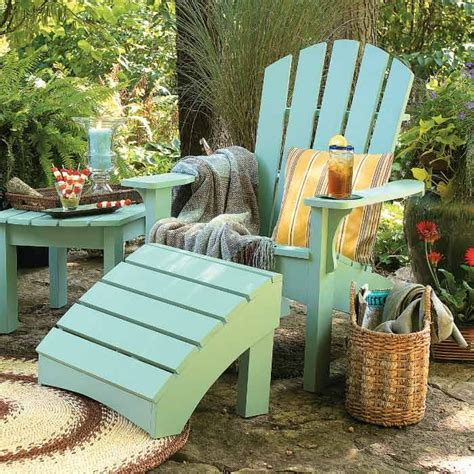 painting outdoor furniture    painted