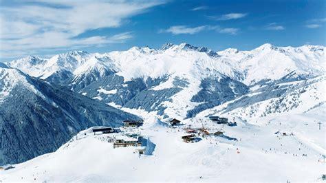 Skiing Background Ski Slope Wallpaper Wallpapersafari
