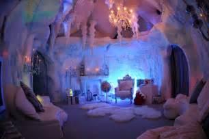 wellpleased grotto
