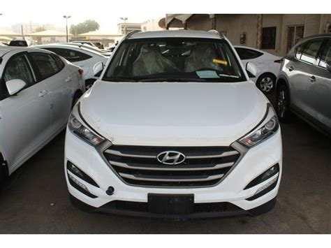 At edmunds we drive every car we review, performing road tests and competitor comparisons to help you find your perfect car. New Hyundai Tucson White 2018 For Sale In Jeddah For ...
