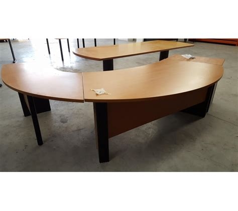 bureau d angle bureau d 39 angle arrondi en bois pieds métallique noir