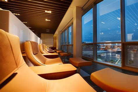 lufthansa lockert zugangsregeln f 252 r die class lounge