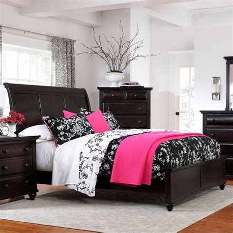 Broyhill Sleigh Bed by Broyhill Farnsworth Sleigh Bed In Inky Black Stain 4856