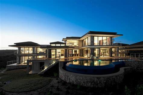 luxury big house exterior   Viahouse.Com