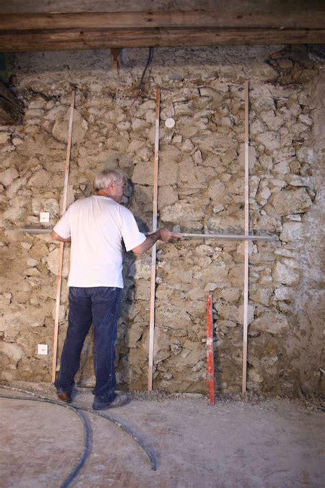 comment enduire un mur interieur maison design lockay