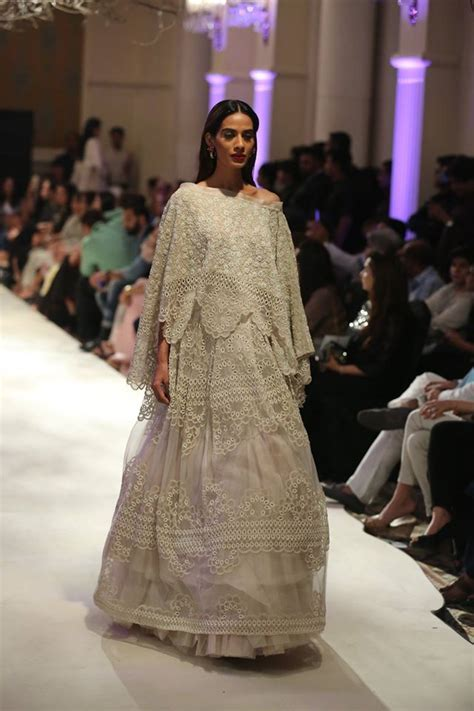 anamika khanna collection  india couture week  pk