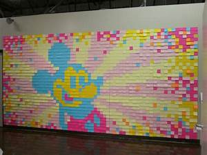 Post It Art : over 2000 post it notes make up this mickey mouse wall mural disney every day ~ Frokenaadalensverden.com Haus und Dekorationen