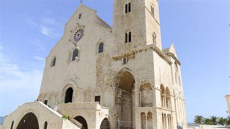 Cattedrale Di Trani Interno - trani orsini viaggi