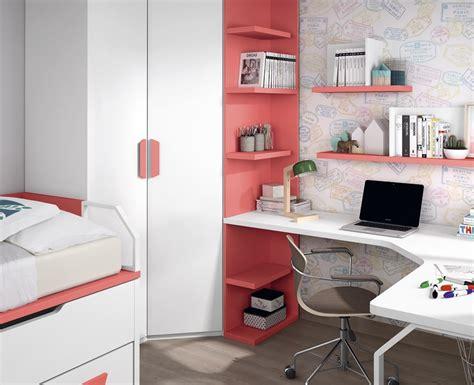 bureaux chambre chambre avec lit bureau armoire et étagères meubles ros