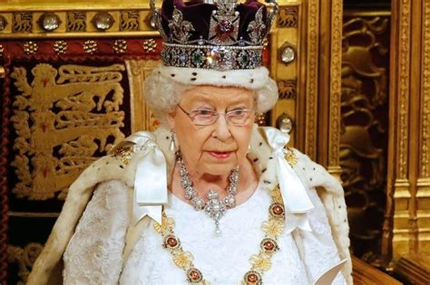 Can the Queen vote in the general election? The real ...