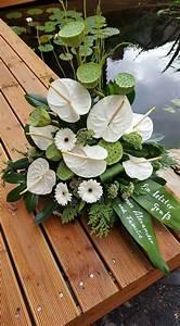 Beerdigung Schöne Ideen : wei e anthurien floral arrangement trauer ohne dich pinterest blumen blumen ~ Eleganceandgraceweddings.com Haus und Dekorationen