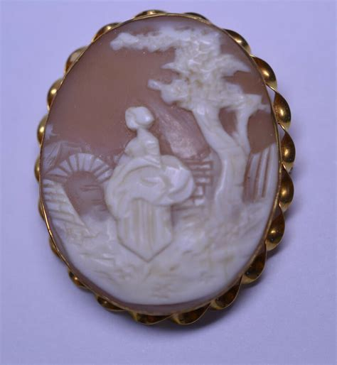Antique 10k Yellow Gold Hand Carved Shell Signed Scenic