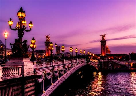 Choose the best weeks for your trip to france. Faire le Pont! - May Holidays in France | French Language Blog