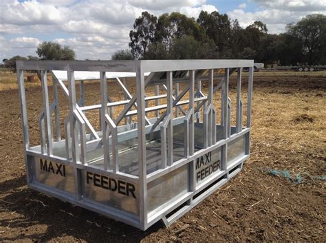 Livestock Feeder by Large Maxi Feeder Hay Feeders Suits Yearlings And