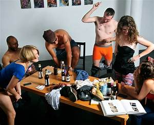 Strip poker art exhibit opens tomorrow | iknowcoolthings