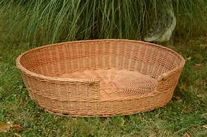 Medium large dog bed large dog basket wicker dog furniture for Large dog basket bed