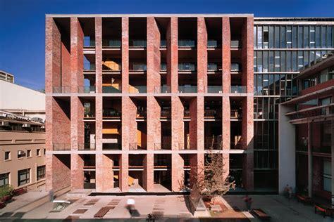medical aravena alejandro chile architect universidad