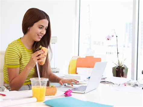 burn calories at your desk how to burn calories sitting at your desk boldsky