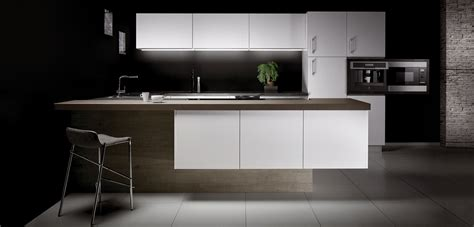 cuisine grise plan de travail noir cuisine blanche plan de travail gris cuisine grise moderne faade stecia gris brillant cuisine