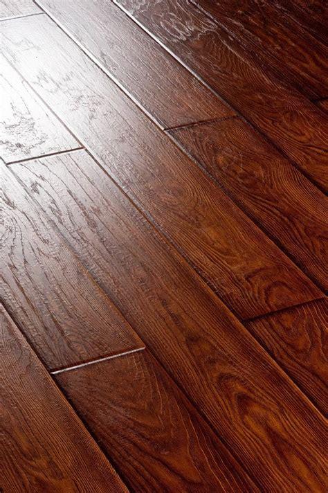 Real Wood Laminate Flooring  Laminate Vs Solid Wood