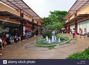 Courtyard at UDTOWN open air shopping centre, Tong Yai ...