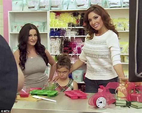 farrah abraham bans daughter sophia from watching nicki minaj music videos daily mail online