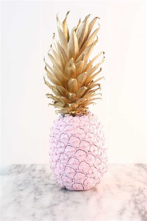 spray paint pineapple  easy  cheap decor