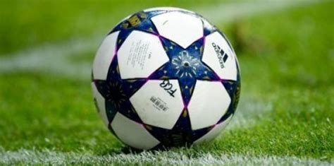 le ballon de foot la possession du ballon dans le football haiti tempo