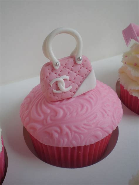 sugar siren cakes mackay  birthday girly cupcakes