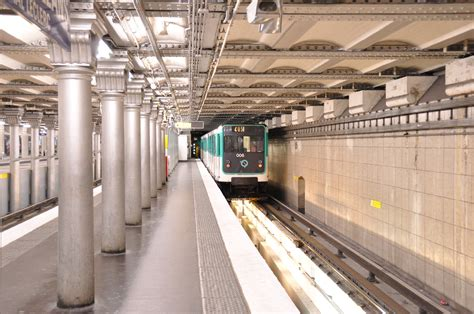 station essence porte d orleans 28 images porte d orl 233 ans ポルト ドルレアン駅 パリの地下鉄 メトロ metro a
