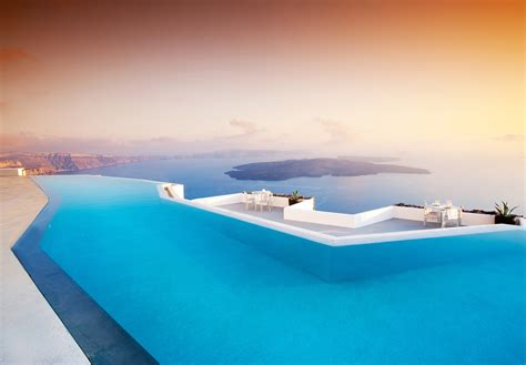 Infinity Pool : Mind-blowingly Beautiful Infinity Pools Around The
