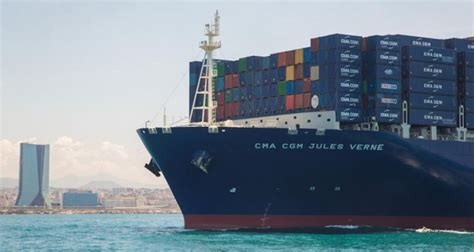 plus grand porte conteneur du monde transport cma cgm inaugure le plus grand porte