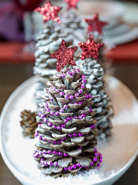 pinecone centerpiece   holidays hgtv