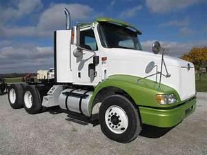 International 9100i  2002    Daycab Semi Trucks