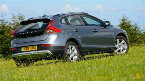 volvo co volvo v40 cross country d4 manual lux nav review