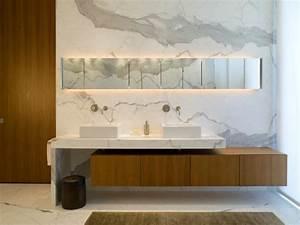 Spiegelschrank Badezimmer Holz : marmor im bad vor und nachteile der marmorfliesen ~ Markanthonyermac.com Haus und Dekorationen