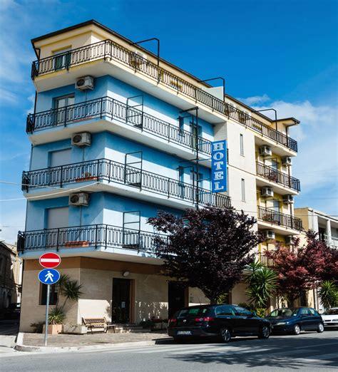 residence la terrazza spello hotel target societ 224 di consulenza alberghiera