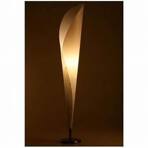 Lampe De Sol : lampe de sol design en plastique polym re de co achat ~ Dode.kayakingforconservation.com Idées de Décoration