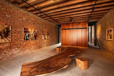 chambre avec poutres apparentes le mur en brique décors spectaculaires