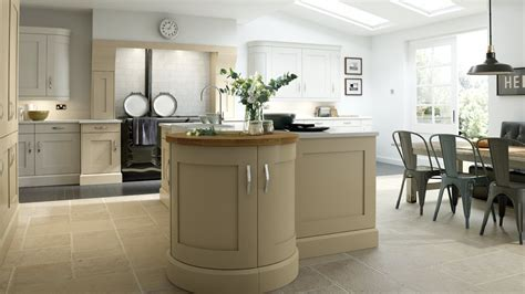 Traditional Kitchens   In frame, Shaker & Solid Wood Kitchens
