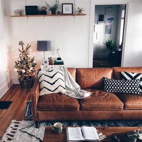Living Room Ideas Brown Leather Sofa by 25 Best Ideas About Leather Decorating On