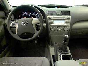 2011 Toyota Camry Standard Camry Model 6 Speed Manual Transmission Photo  51523180