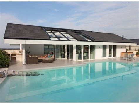 fertighaus satteldach modern kundenhaus gr 228 fenstein einfamilienhaus mit einliegerwohnung elw zweifamilienhaus